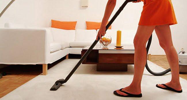 vacuuming-carpet